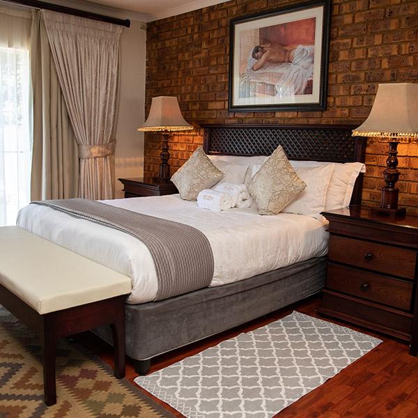 Bedroom 1>